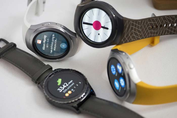 The Best Samsung Gear Smartwatch to Buy