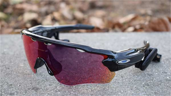 Oakley Radar lock glasses Design