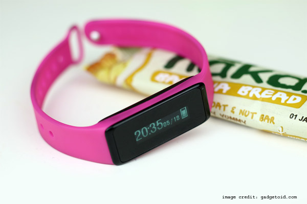 Features Of Touch Wristband Tracker